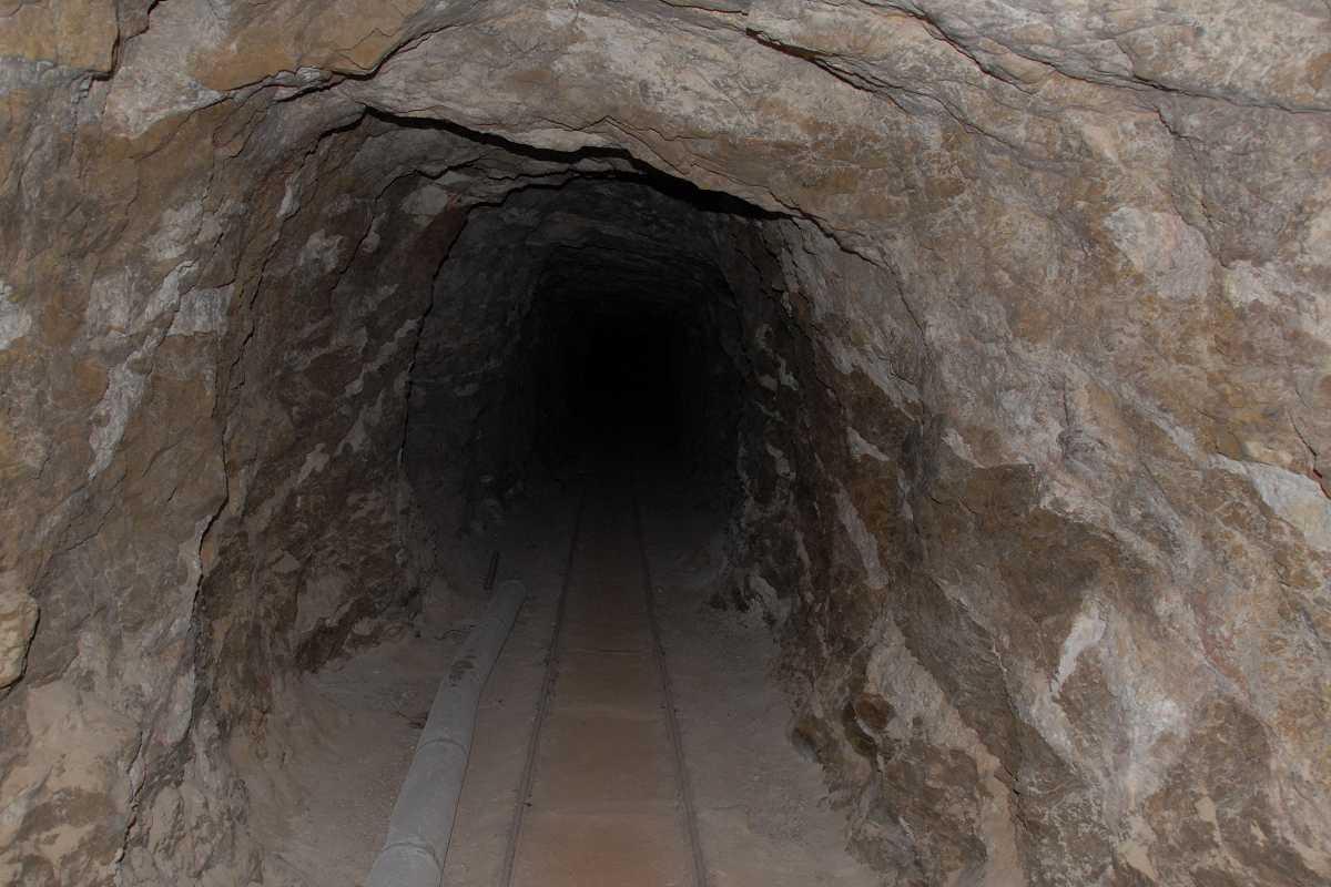 mine tunnel  grandview trail below horseshoe mesa